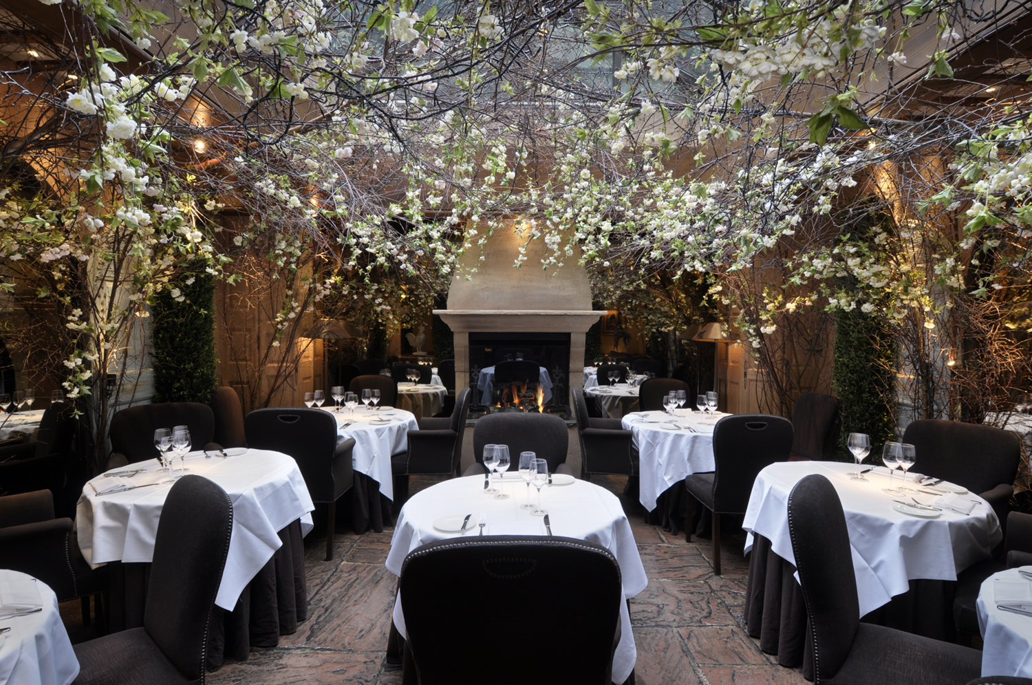 Clos maggiore romantisme covent garden lost in london for Cafe de jardin in covent garden