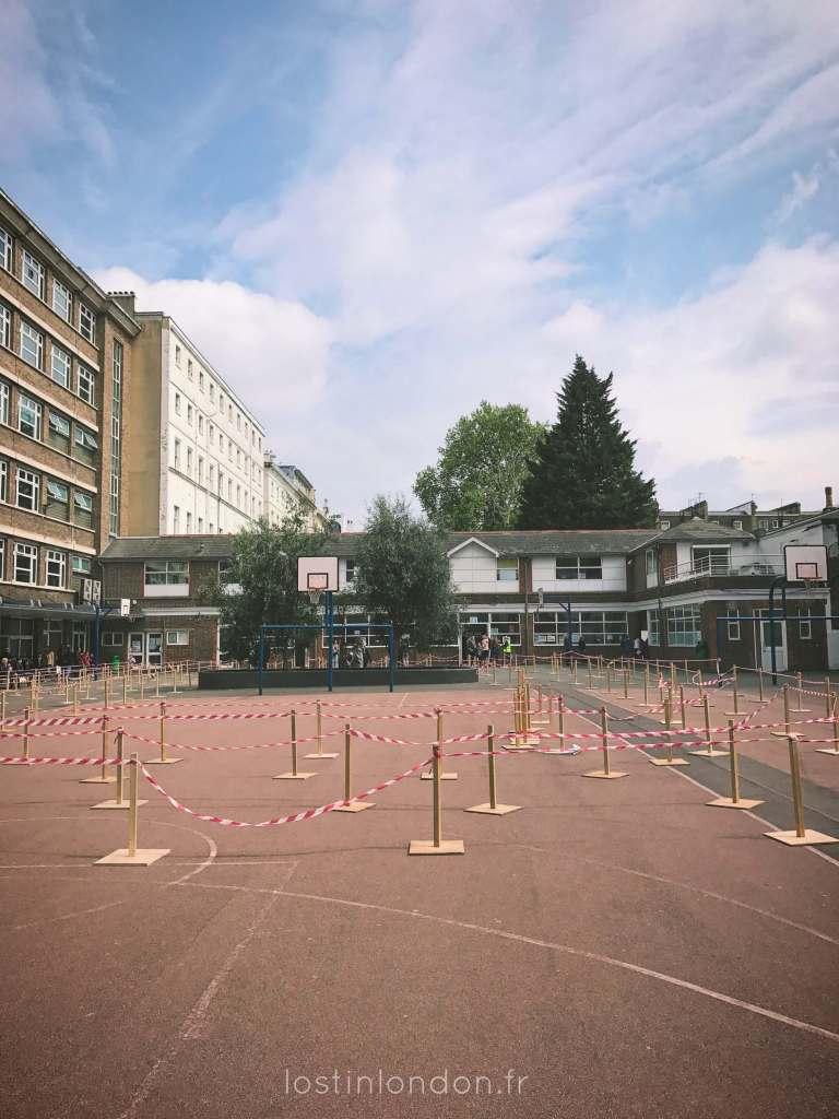 cour du lycée Charles de Gaulle Londres